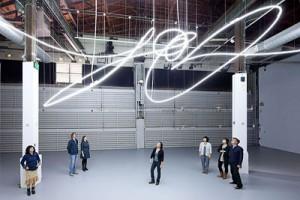 """Lucio Fontana """"Struttura al neon"""" per la IX Triennale di Milano"""